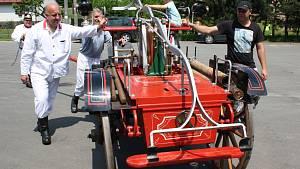 Historické hasičské stříkačky v Marklovicích