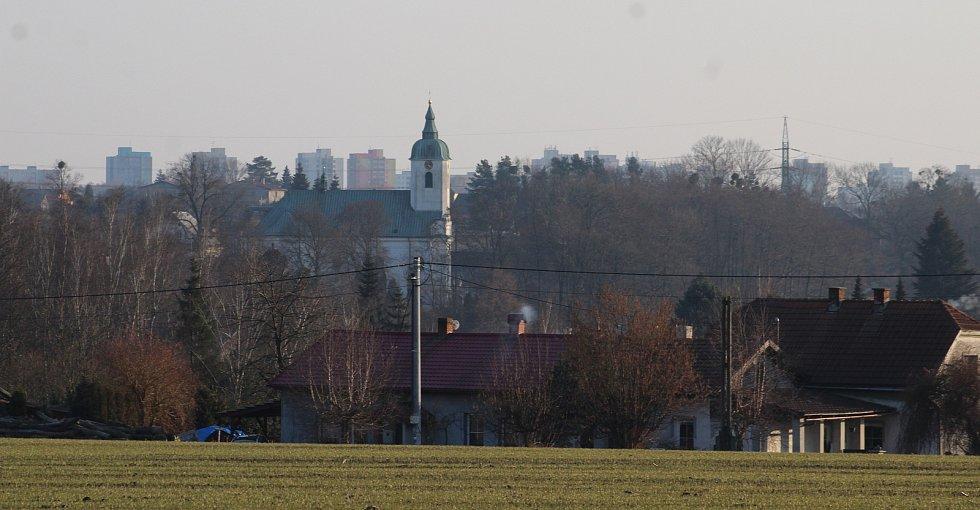 Dolní Lutyně. Pohled na centrum obce od Neradu