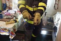 V pátek odpoledne se hasiči z Českého Těšína při zásahu setkali s hadem.