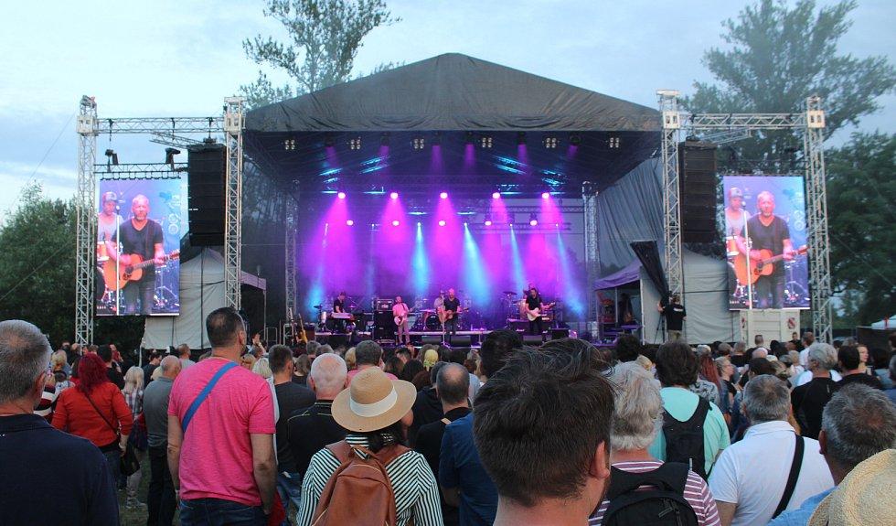 Na 10. ročníku festivalu Dolański Gróm zahrál i David Koller s kapelou.