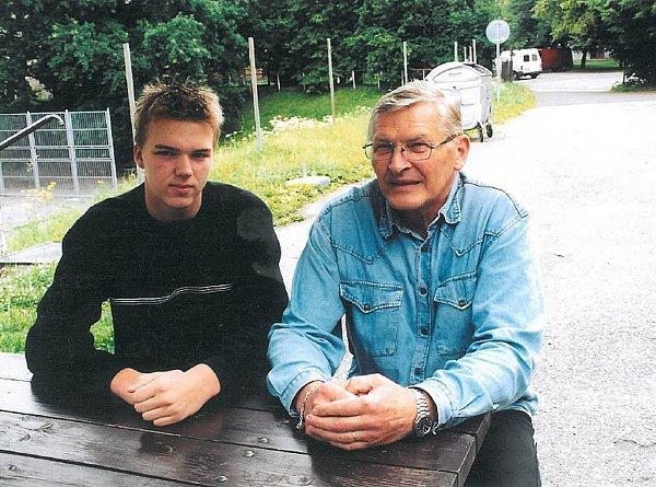 Snejmladším synem Tomášem vroce 2010.Iten to dotáhl do reprezentačního výběru jako táta.