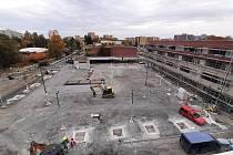 Stavba nového náměstí a polyfunkčního domu v Orlové, říjen 2021.