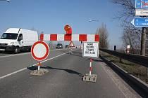 V Karviné bude až do konce srpna uzavřen jeden směr mostu u dolu ČSA.