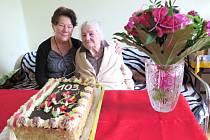 Úctyhodných 103 let oslavila v pátek v kruhu svých blízkých paní Emilie Farna z Havířova.