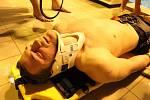 Výcvik životických hasičů při záchraně tonoucího.