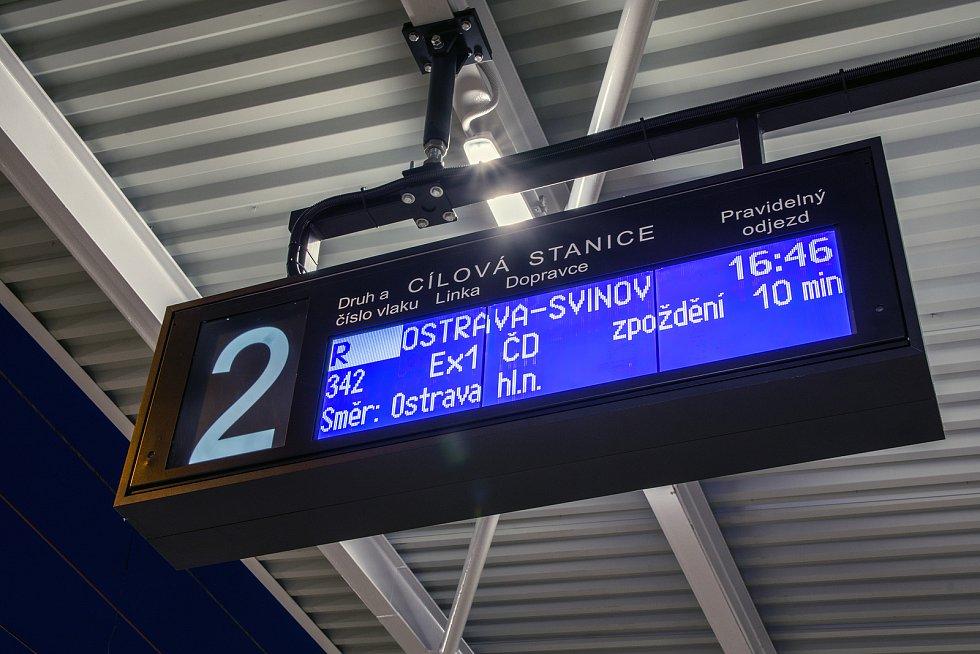 Karvinské vlakové nádraží září po rekonstrukci novotou. Má i nový informační systém.
