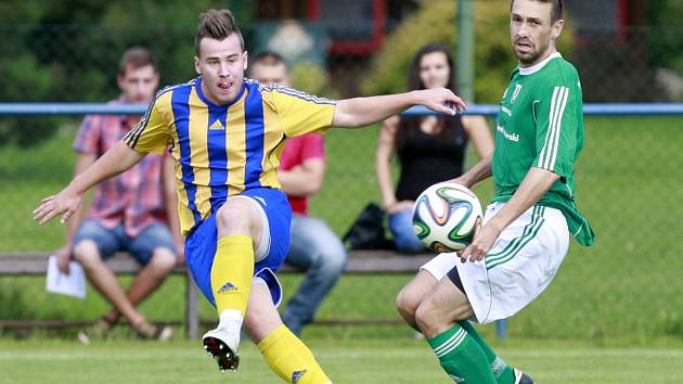 Po gólu ve Vendryni se bohumínský Jan Ferenc (vlevo) prosadil i doma proti Bruntálu.