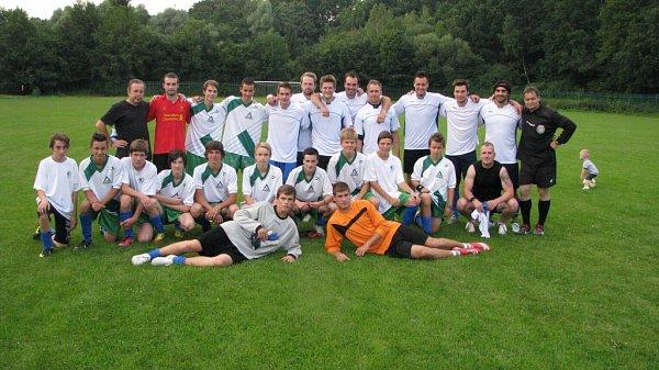 Přípravné přátelské utkání mezi mladším dorostem MFK Havířov a Atýmem hokejového AZ Havířov.