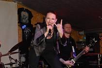Vítězná polská kapela EIER ze Sosnowce. Vyhrála první kolo soutěže Líheň, které se konalo v krakovském Boss Garage Pubu.