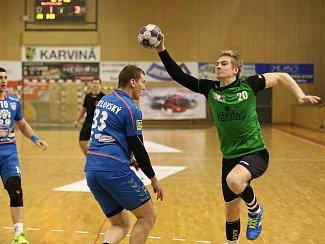 Házenkáři Karviné (s míčem Slavomír Mlotek) neuspěli v Brně.