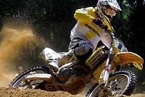 Petrovický podnik přiláká na start přední moravské jezdce, jako například Jindřicha Hrabicu mladšího, odchovance místního motokrosu.