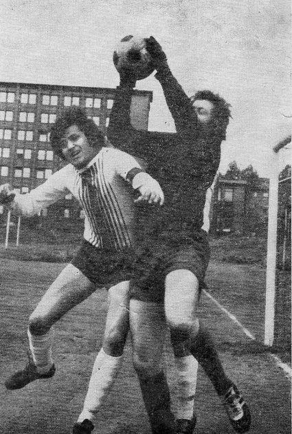 Emil Slovák hrával takzvaného durčoka - prostředního útočníka.