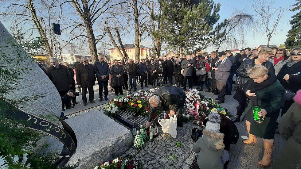Ve Stonavě se konala vzpomínková akce na horníky, kteří před rokem zemřeli při výbuchu metanu v Dole ČSM.