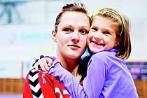 Lucie se svou dcerou Simonkou.