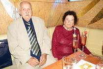 Alois Havlas se svou manželkou Vlastou při oslavě stých narozenin.