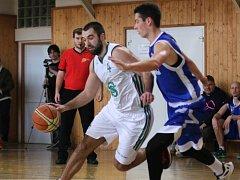 Basketbalisty poškodili podle karvinské výpravy výrazně arbitři.