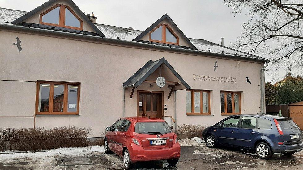Hornická obec Stonava před 30 lety doslova vstala z popela. Dnes má necelých 2000 obyvatel a velmi dobrou infrastrukturu.  Palírna U Zelené lípy.