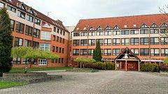 Výuka budoucího zdravotnického personálu bude od září probíhat v budově základní školy na českotěšínské ulici Slovenská.