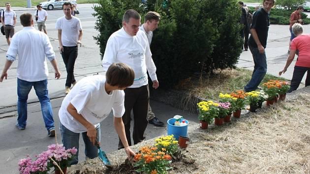 Aktivisty, kteří bojují za zachování havířovské nádražní haly, podpořil dosluhující ministr dopravy Zdeněk Žák.