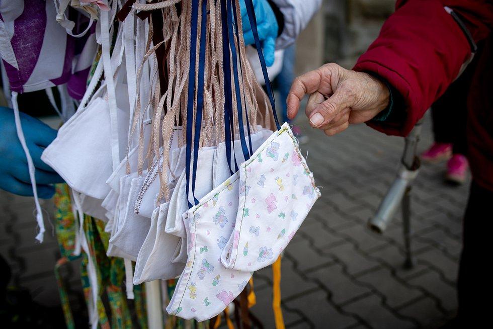 Bohumín v celostátní karanténě, 1. dubna 2020. Rouškovník.
