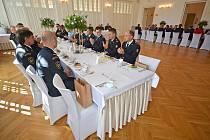 Vedení Bohumína ocenilo záchranáře zasahující u požáru 8. srpna, a pozvalo je na setkání spojené s obědem do hotelu Pod Zeleným dubem ve Starém Bohumíně.