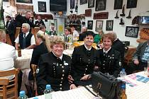 Nechyběly ani dámy v hornických uniformách.