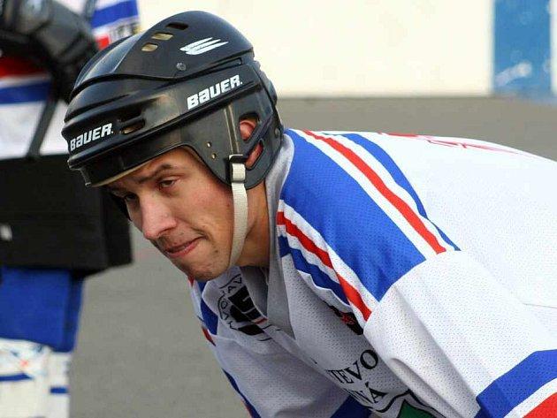 Karvinští hokejbalisté mohou o víkendu ukončit finálovou sérii s Olomoucí a stát se moravským přeborníkem I. ligy.