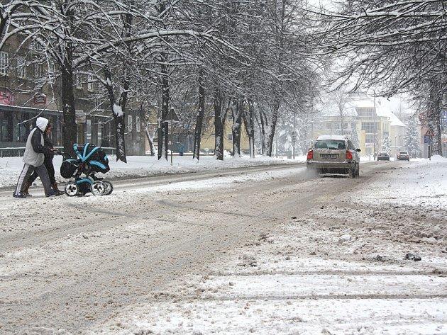 Zima na karvinských silnicích.