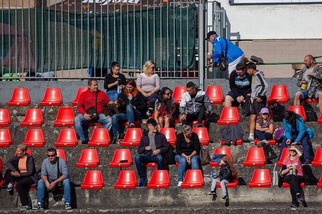 Fotbalový turnaj mladých hráček vOrlové ovládly juniorky MSK.