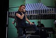 V Orlové se v sobotu konal 9. ročník charitativního hudebního festivalu Rocktherapy,na kterém zahrála desítka kapel a výtěžek byl věnován třem lidem postižených cévní mozkovou příhodou.