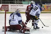 Havířov (v bílém) prohrál na Slavii.
