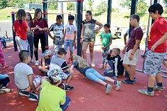 Akci s názvem Vstávat a cvičit připravila pro děti organizace Z. S. Mládež.