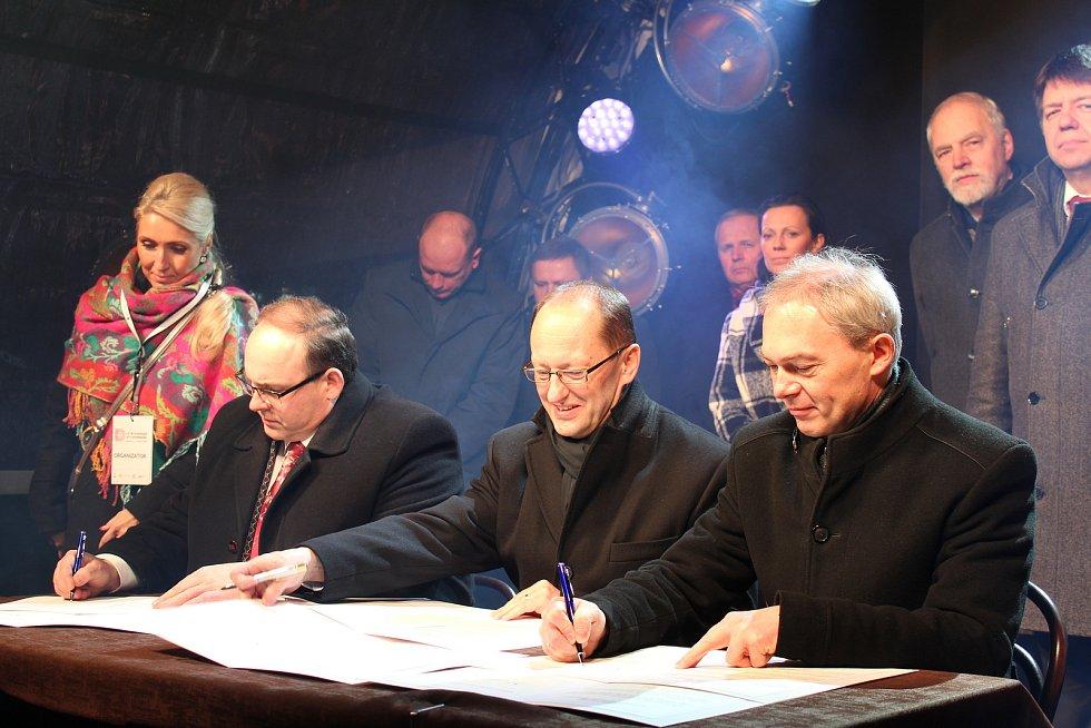 Oslavy 10 let od zrušení hraničních kontrol a vstupu Česka a Polska do schengenského prostoru.
