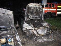 Následek požáru automobilů v Karviné.