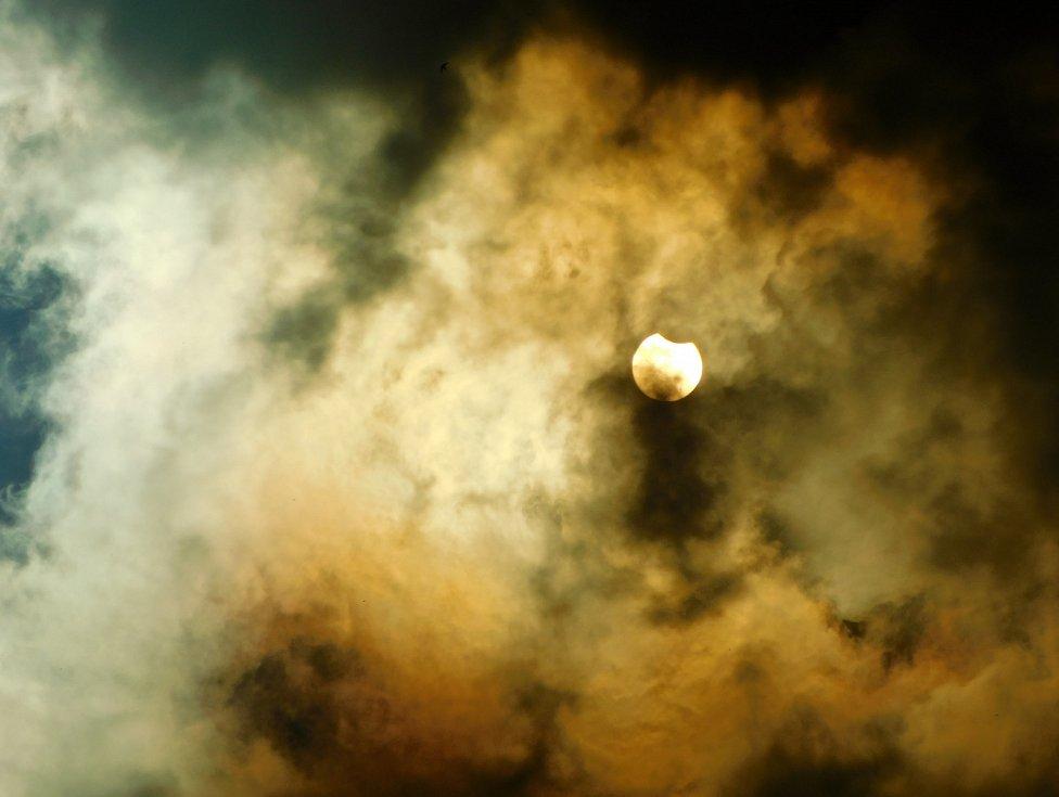 Částečné zatmění Slunce v Havířově.
