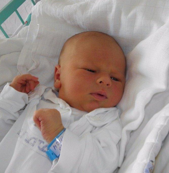 Ondrášek se narodil 21. září paní Janě Mžikové z Dětmarovic. Po porodu dítě vážilo 4040 g a měřilo 52 cm.
