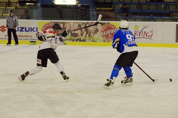 Hokejistky si letos nezahrají Ligu mistryň, takže se mohou soustředit na domácí soutěž.