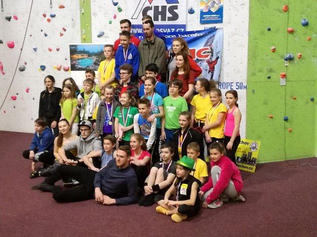Společné foto účastníků brněnských závodů.