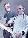 Rok 1971 a vůbec první ročník závodu Karviná - Wodzislaw - Karviná. Vpravo vítěz Stanislaw Gazda z Polska, vedle něj druhý v cíli, český závodník Josef Muška.