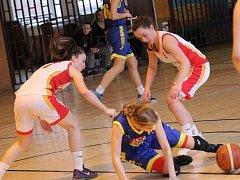 Mladé košíkářky Havířova bojují o postup.