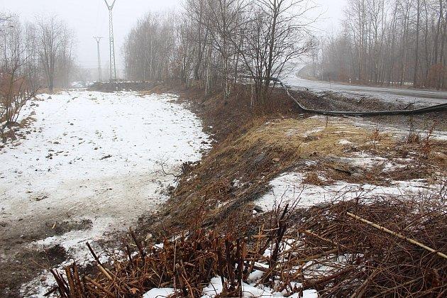 Místo tragické nehody šenovských dobrovolných hasičů vKarviné-Dolech.