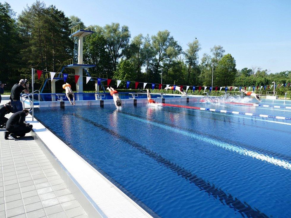 Slavnostní otevření koupaliště v Havířově, pondělí 15. června 2020.