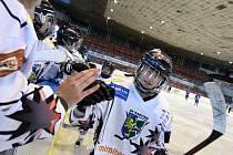 Hokejistky Karviné pokračují v soutěži. Kladno sice porazily, v Litvínově zapomněly dva body.