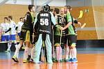 Zvládli to. Florbalisté Petrovic se radují z udržení v první lize (druhé nejvyšší celostátní soutěži).