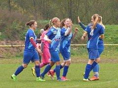 Havířovské fotbalistky (v modrém) zvládly šlágr podzimu.