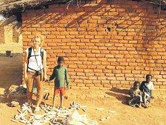 Mladá lékařka se nedávno vrátila z mise v africkém Malawi, popisuje drsné prostředí, ale také vděk místních.
