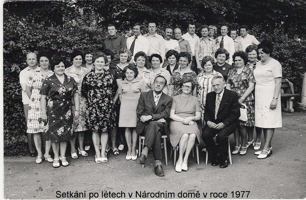 Setkání po letech v Národním domě v roce 1977.