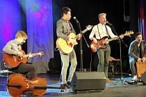 Havířovská soutěž amatérských zpěváků populární hudby Talent 2016 zná vítěze. Ve vyprodaném sále Kulturního domu Petra Bezruče se v pátek na Galakoncertě utkalo ve čtyřech věkových kategoriích 19 dívek a chlapců z předchozích dvou výběrových kol.