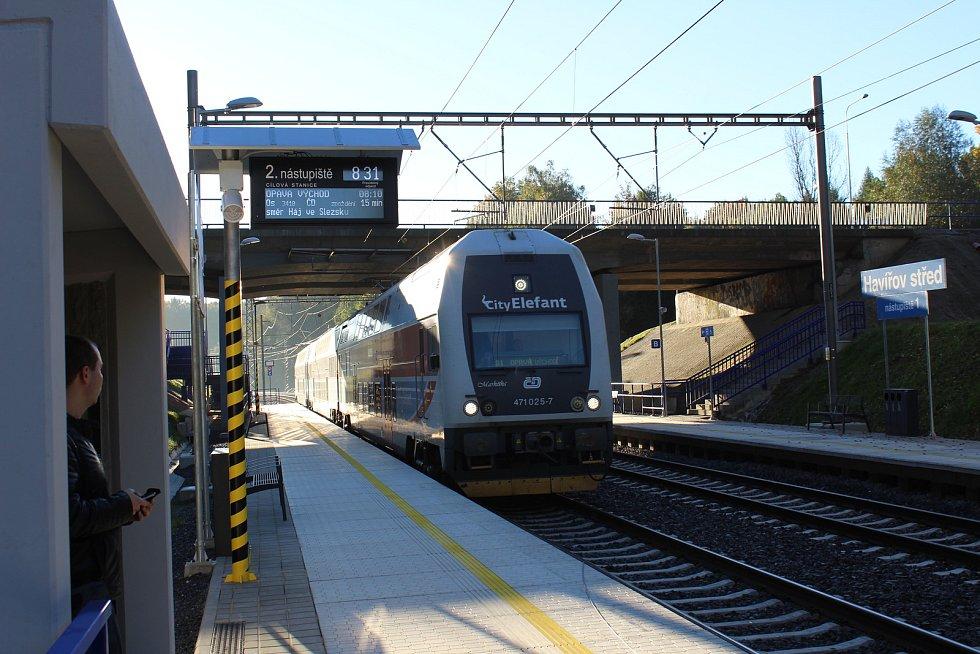 Železniční zastávka Havířov střed v první den zahájení provozu.