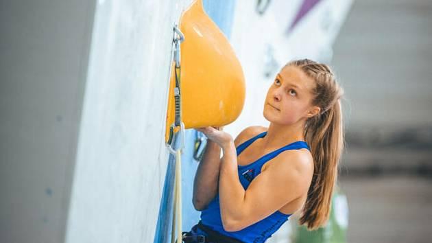 Mistryní Evropy v lezení na obtížnost v kategorii do 18 let se stala v ruském Permu Markéta Janošová z Těrlicka, která závodí za Baník Karviná.